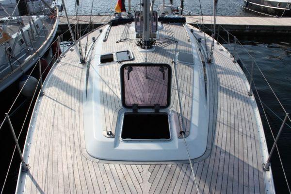 Grand Soleil 46.3 deck