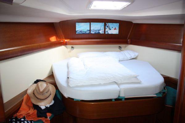 Grand Soleil 46.3 owner's cabin
