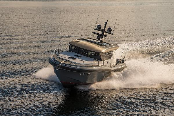 Tactical Custom Boats T40 Express Yacht