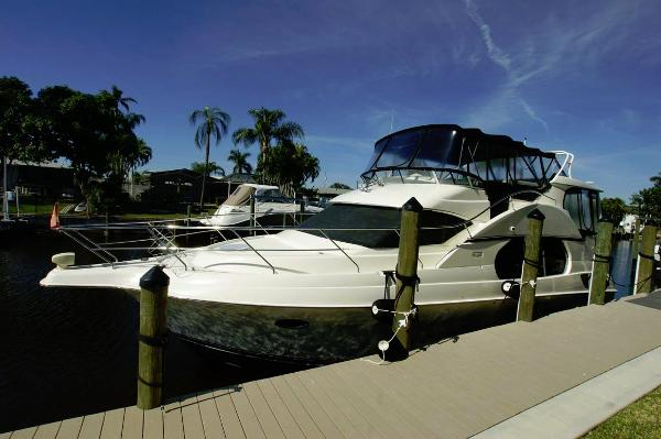 Silverton 43 Motor Yacht Profile