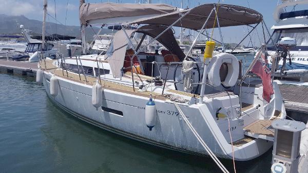 Jeanneau Sun Odyssey 379 Jeanneau Sun Odyssey 379 - Holly Blue