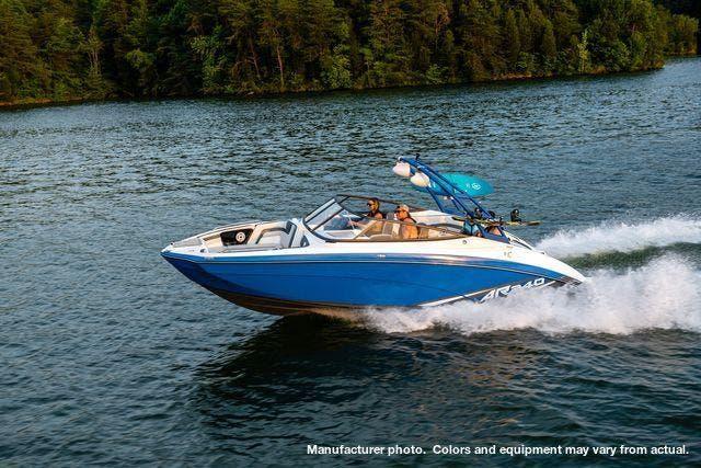 Yamaha Jet Boat 240AR