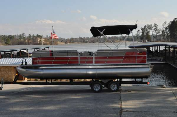 Encore Boat Builders Select Model