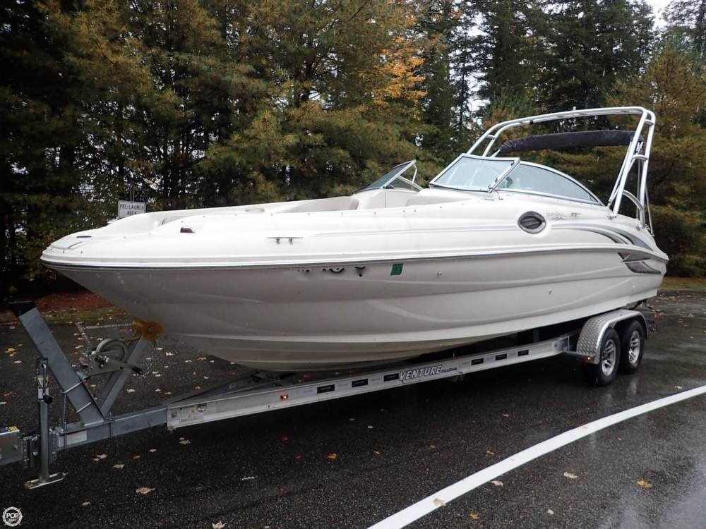 Sea Ray 240 Sundeck 2004 Sea Ray 26 for sale in Bristol, NH