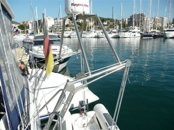 Davits & radar mounting