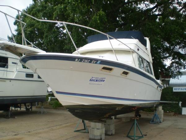 Bayliner 2858 Ciera Command Bridge