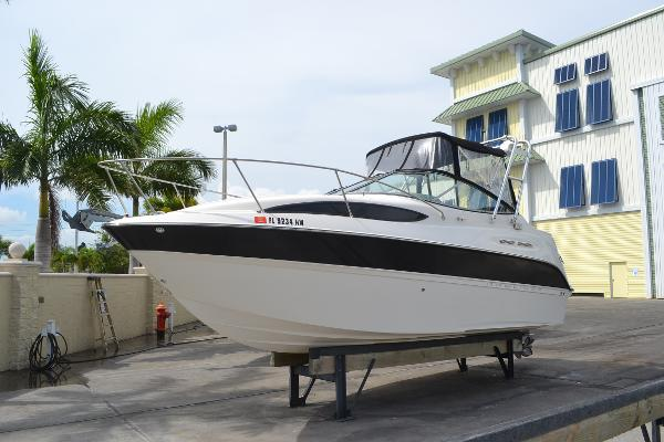 Bayliner 245 Cruiser Profile
