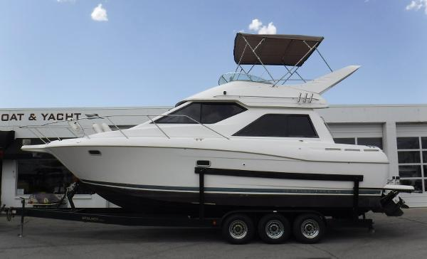 Bayliner Ciera 3258 Command Bridge