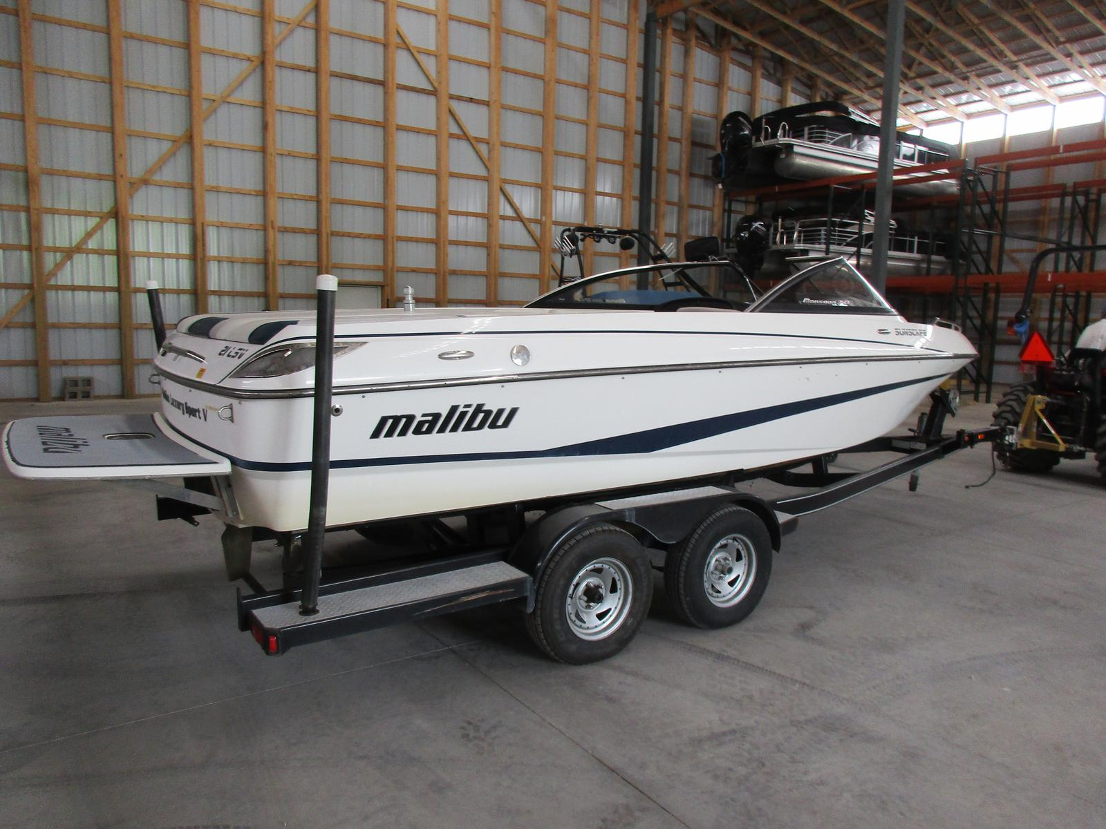 Malibu Boats LLC 21 Sunscape LSV