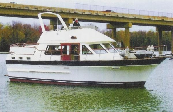 Kha Shing (Vista) Single Screw Sundeck Trawler Caribbean Dream
