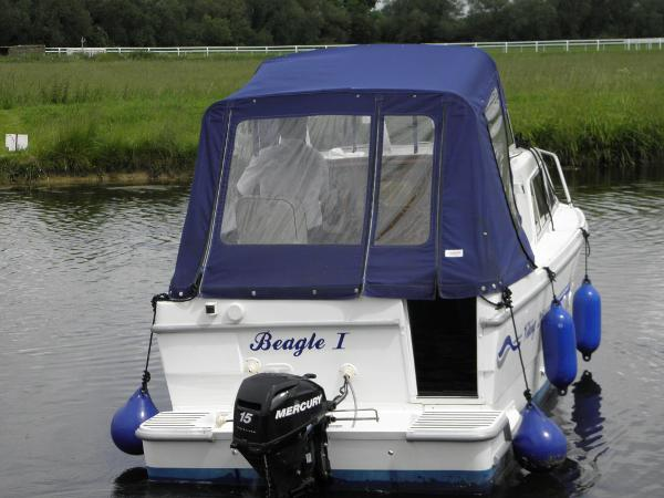 Viking 215 Stern showing transom door