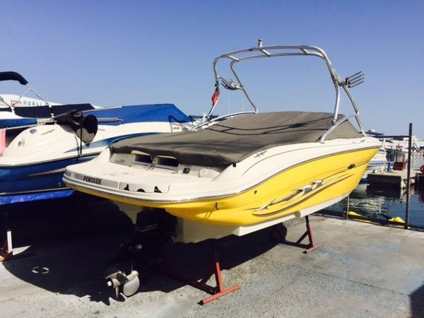 Sea Ray 220 Select Peroxide