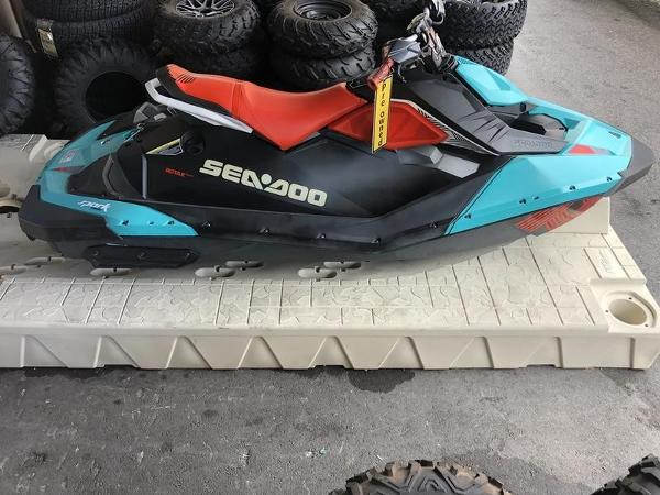 Sea-Doo SPARK™ TRIXX™