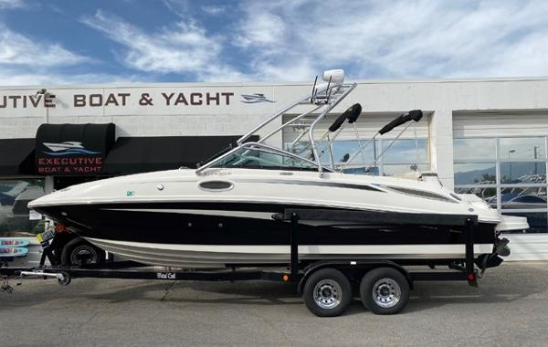 Sea Ray 260 Sundeck Bowrider