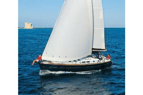 Beneteau Oceanis Clipper 423 Manufacturer Provided Image: Cruising