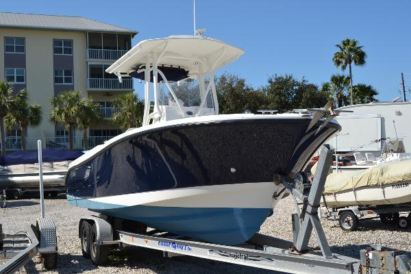 Edgewater 245CC Starboard Bow