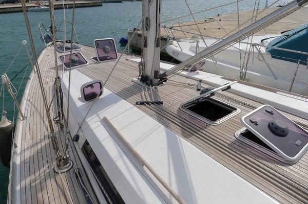 Dufour 445 Grand Large Dufour 445 GL Teak deck