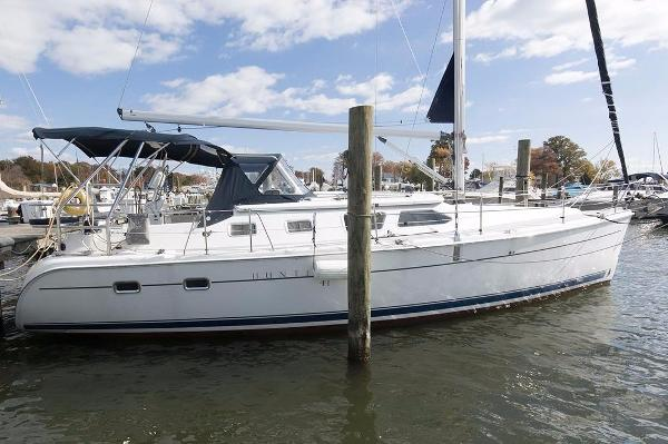 Hunter 41 Deck Salon Dockside 2