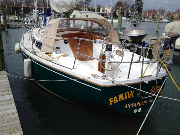 Catalina 30 Tall Rig 1983 Catalina 30 Tall Rig - port view