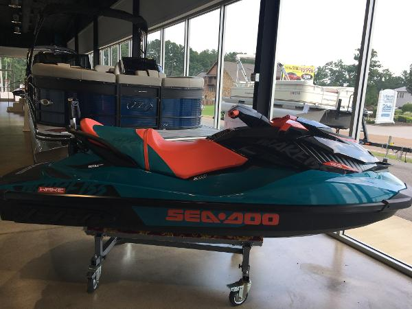 Bombardier 2018 SEA DOO WAKE 155