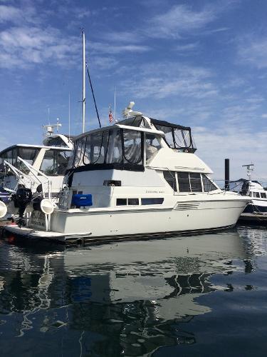 Carver Flybridge Motor Yacht