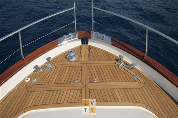 Cantieri Navali Sciallino Gemy 52 bow-deck