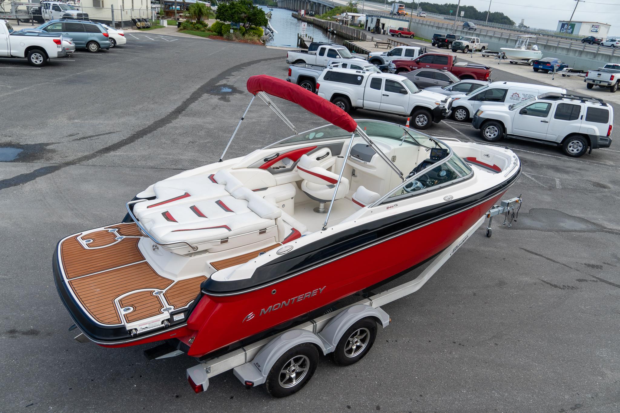 Monterey Sport Boat 244FS/FSX