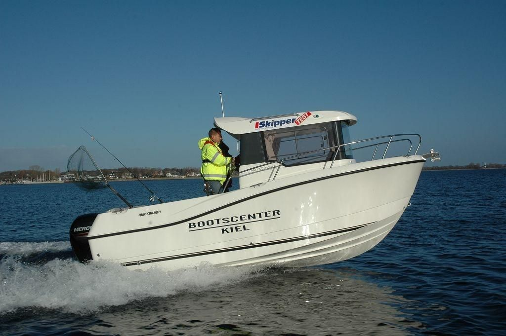 Quicksilver 605 Pilothouse  115 PS LAGERBOOT