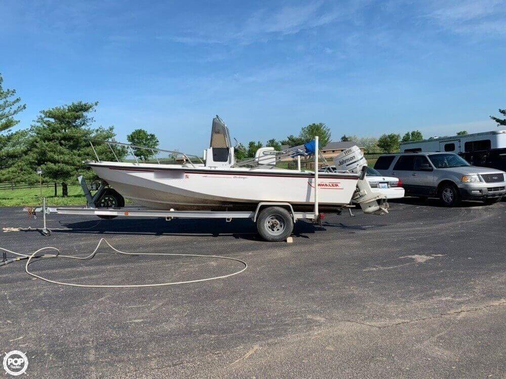 Boston Whaler 190 Outrage 1992 Boston Whaler 19 for sale in Midway, KY