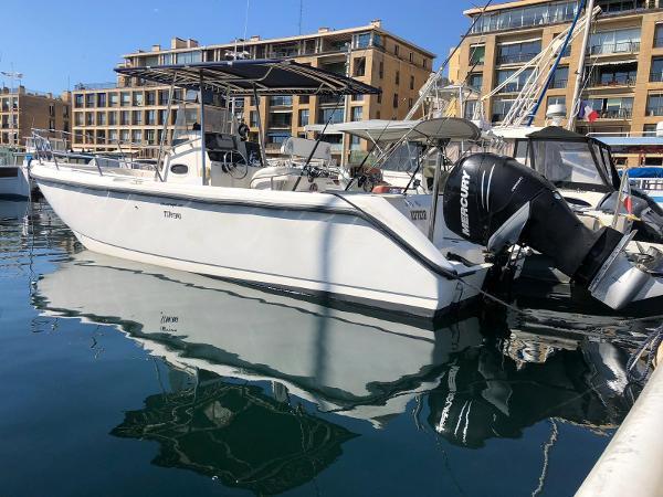 Boston Whaler 26 Outrage