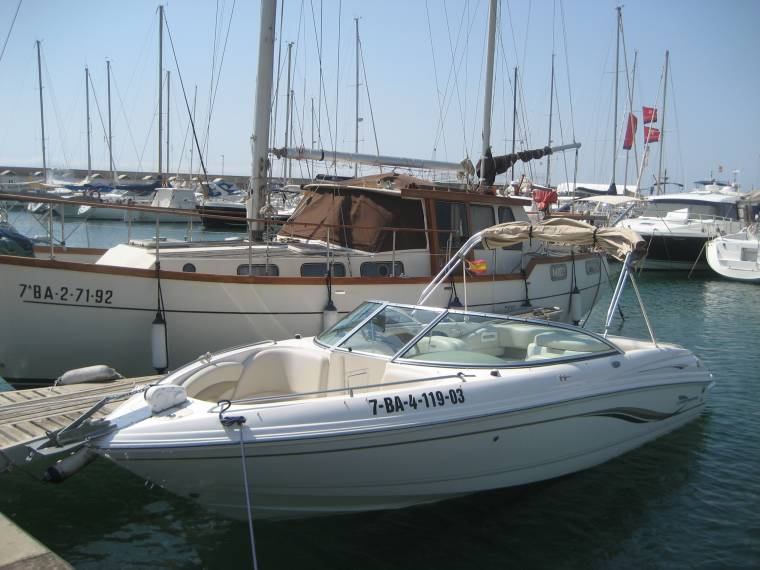 Chaparral Boats Chaparral Boats 220 SSi