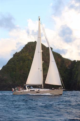 Beneteau Oceanis 60 At sea