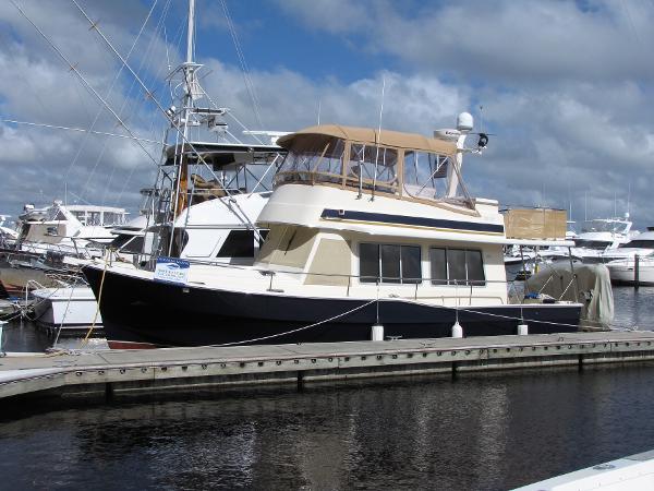 Mainship 400 Sedan Trawler
