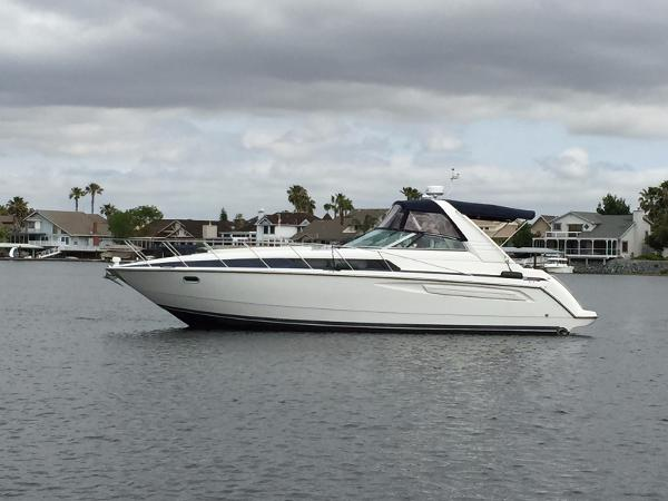 Bayliner 3685 Avanti Sunbridge Profile