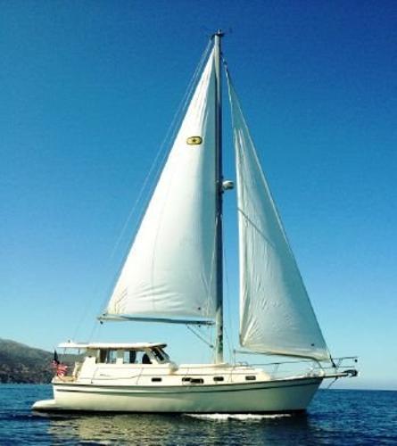 Island Packet SP Cruiser 41 SP Pilothouse Motorsailer Starboard Profile