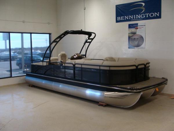 Bennington 2375 GCW Sport Arch