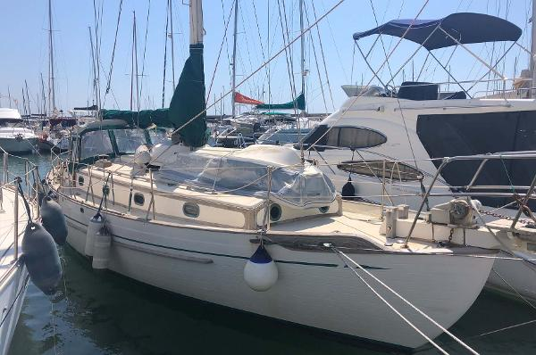 Tayana 37 Cruising Yacht