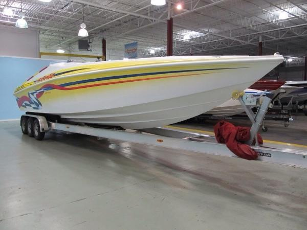Sonic USA 358 Starboard Bow