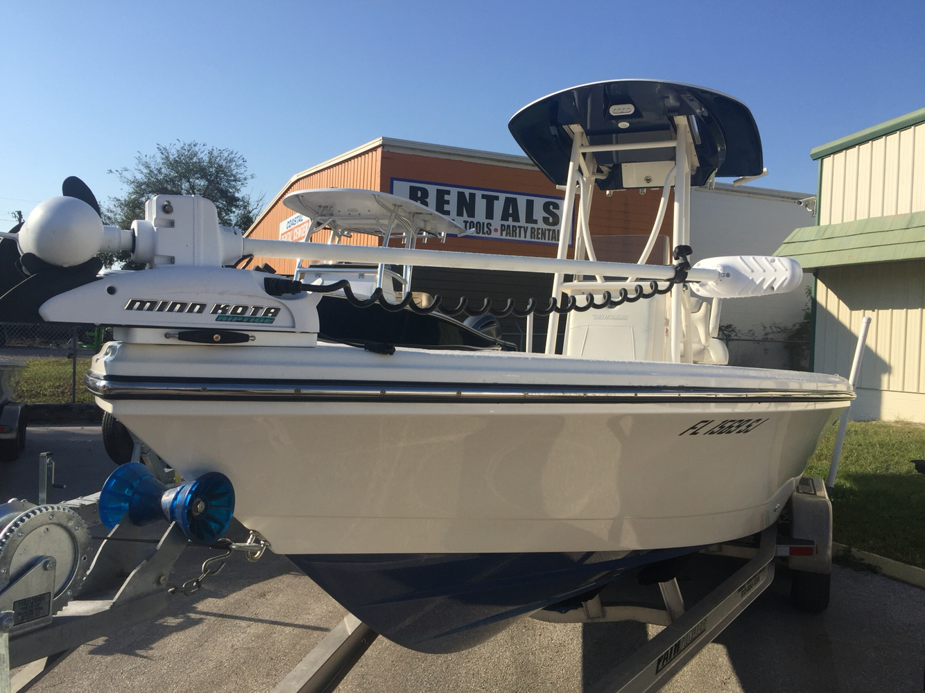 Pathfinder Bay Boat 2600 HPS