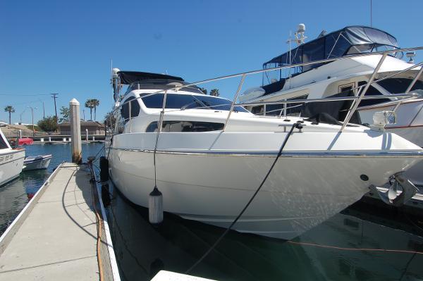 Azimut 46 Starboard Profile