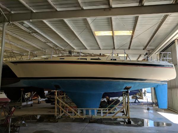 Pacific Seacraft Ericson 34