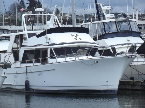 Sea Ranger Cockpit Motor Yacht