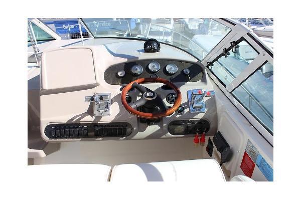 Cruisers Yachts 3470 Express