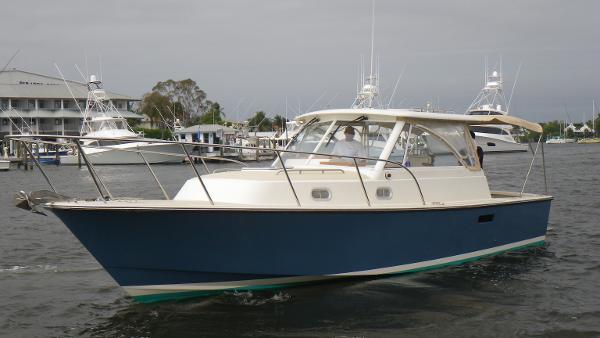 Hunt Yachts 33 Express