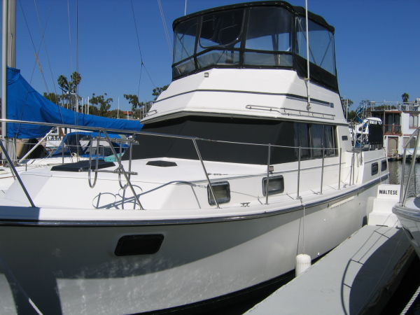 Carver 36 Motor Yacht Photo 1