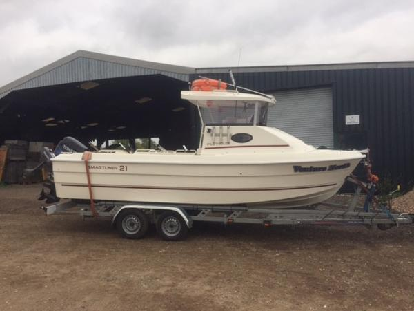 Smartliner Pilothouse 21 On trailer - ready to go