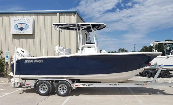 Sea Pro 219 Center Console