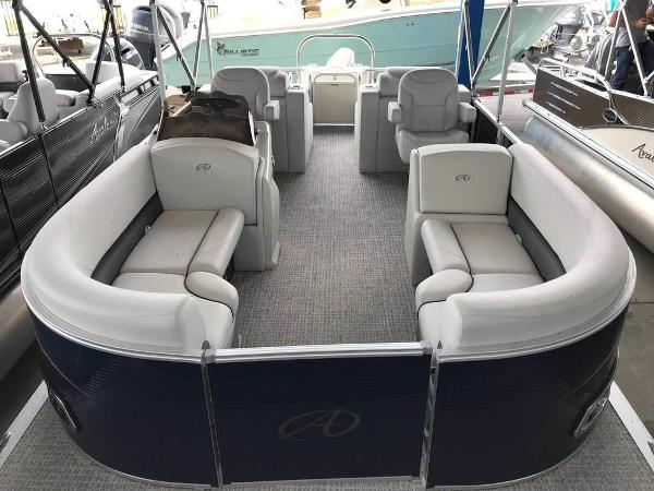 Avalon LSZ Rear Lounger 24'