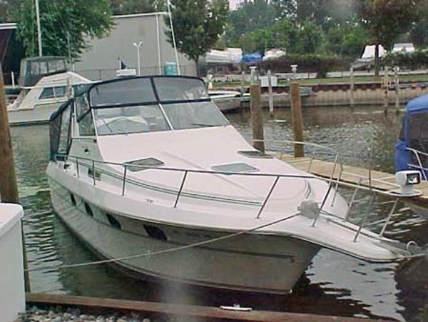 Cruisers 3370 Esprit 1990 3370 Esprit