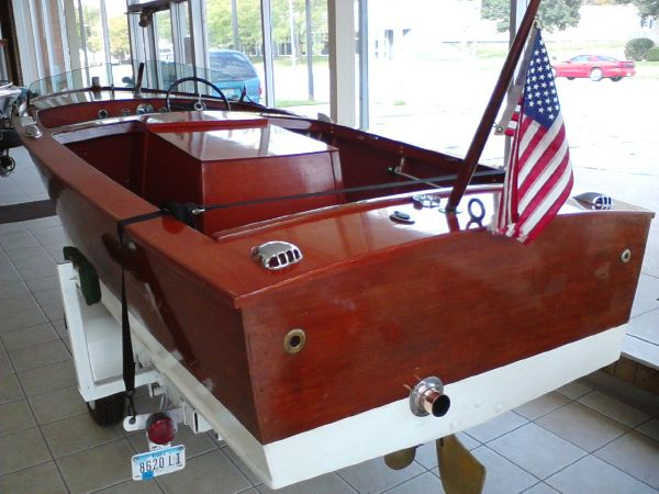 Chris-Craft Cavalier Utility